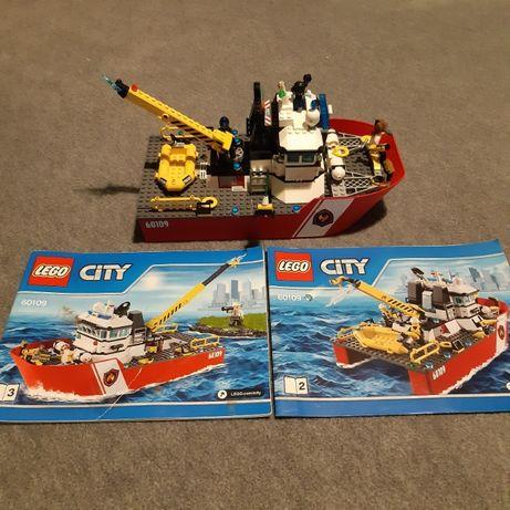 Lego пожарный катер
