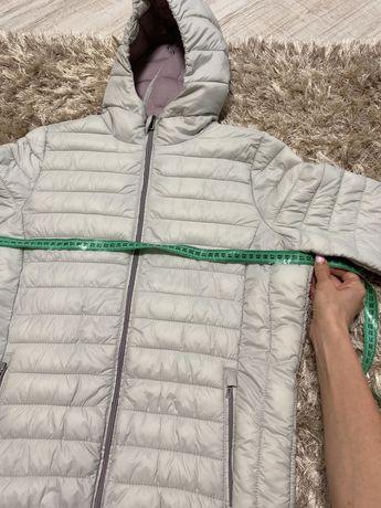 Осенняя женская куртка 42 размер