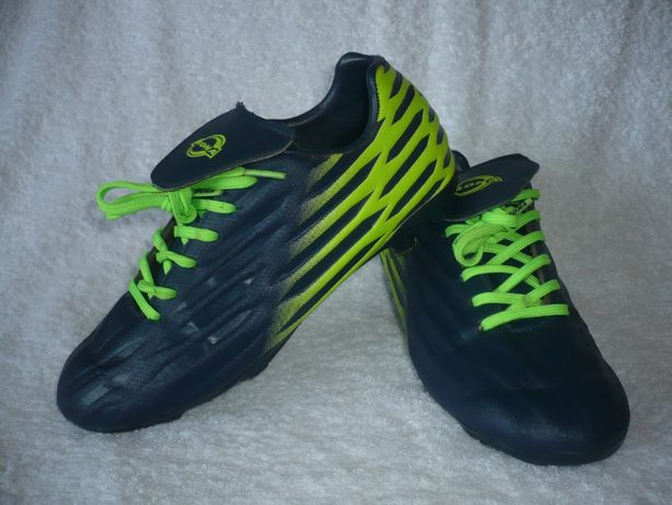 Футбольные кроссовки бутсы копы с шипами Bona р. 35 стелька 22, 5 смм