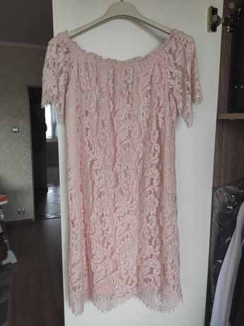 Koronkowa sukienka rozmiar S