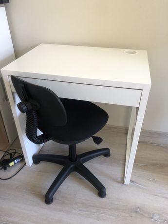 Biurko ikea i krzeslo obrotowe