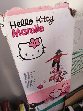 Macaca Hello Kitty