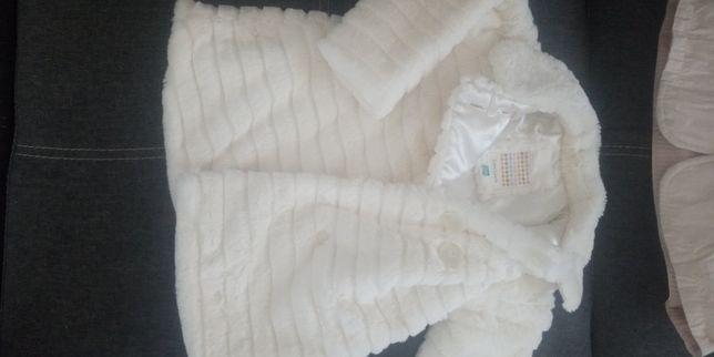 Paltko z białego misia