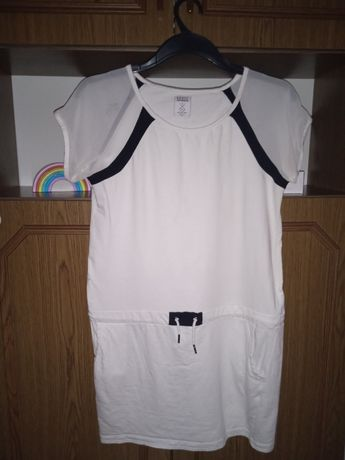 Biała sukienka sportowa marki HOUSE