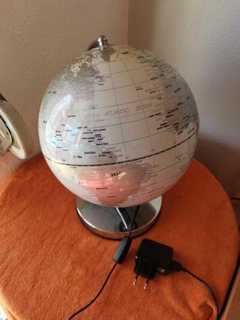 candeeiro globo com luz