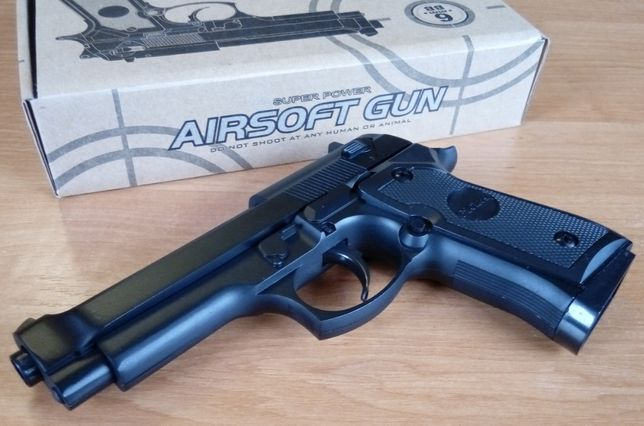 Страйкбольный пистолет BERETTA 92FS металл, страйкбол. Новый!