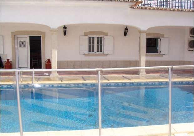 vedaçao transparente proteja as crianças da piscina cascais spa