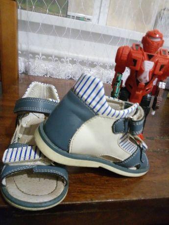 шкіряні ортопедичні сандалі на хлопчика