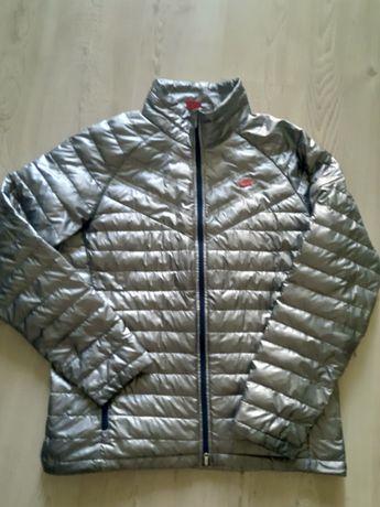 Куртка Nike серебристая
