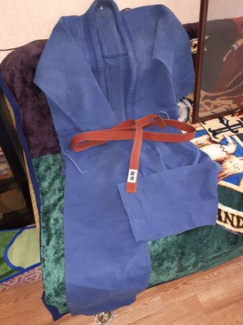 Кимоно для занятий каратэ