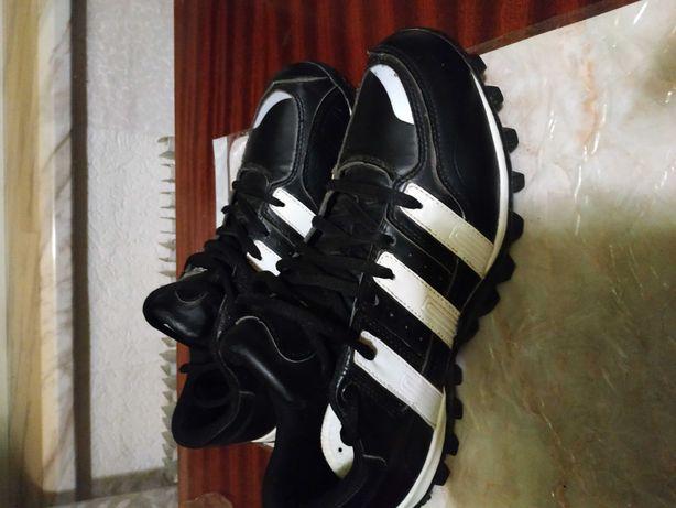 Кроссовки чёрно-белые, производства Корея,размер 45