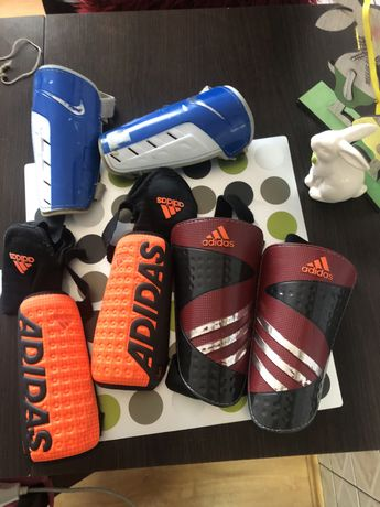Ochraniacze Adidas( za 3 szt )