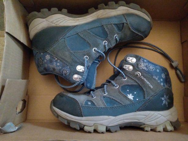 Продам детские спортивные ботинки для девочки OUTVENTURE, размер 32