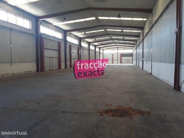 Excelente armazém na Zona Industrial de Albergaria-a-Velha. Ref 20...
