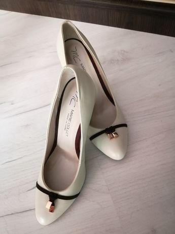 Продам кожані фірмові туфлі