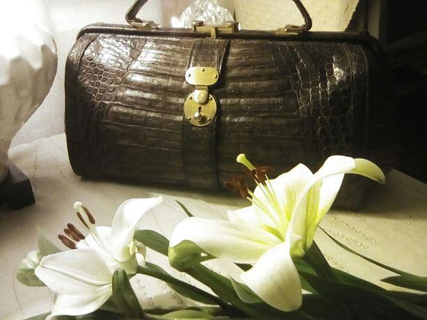 Vintage kuferek, skóra aligatora 100% brąz dębowy w złocie.