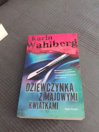 Książka Dziewczynka z majowymi kwiatkami Karin Wahlberg