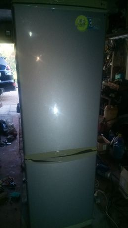 морзильная камера и холодильник LG