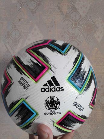 Мяч Adidas Uniforia Euro 2020