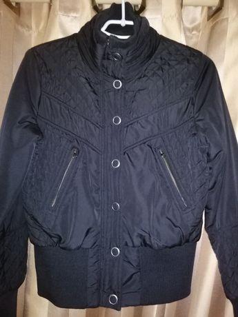 Как новая Куртка курточка(ветровка) р-р 38-40 обмен