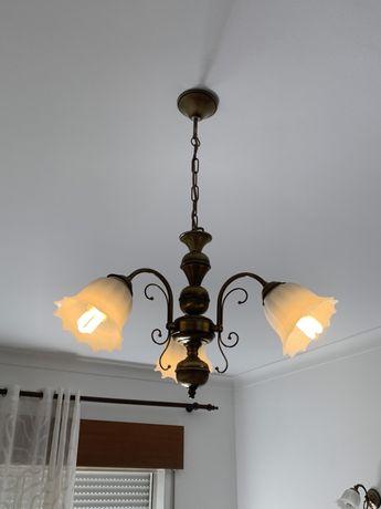 Candeeiro sala com 3 lâmpadas e 2 de uma lâmpada .