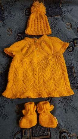 Вязанный детский набор для самых маленьких 0-3 месяцев.
