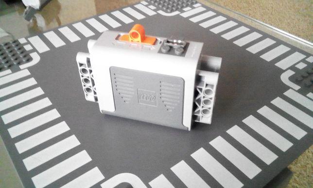 Lego 8881 Power Functions Pojemnik na baterie . Klocki na sztuki