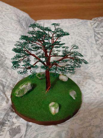 Декоративне дерево з дроту