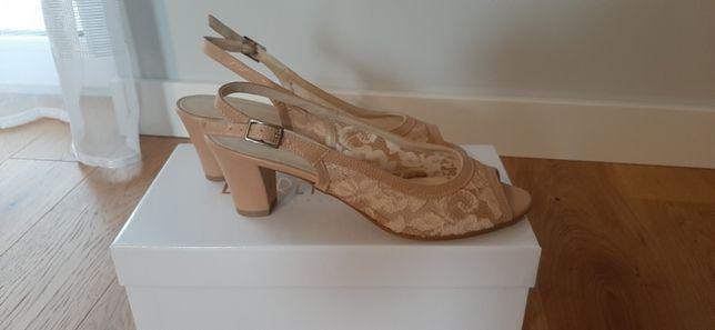 LORETTA VITALE beżowe koronkowe sandały czółenka roz. 39 NOWE