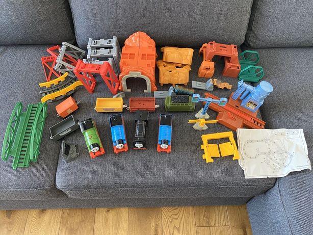 Ciuchcia Tomek 5 in 1 Track Builder Set i inne