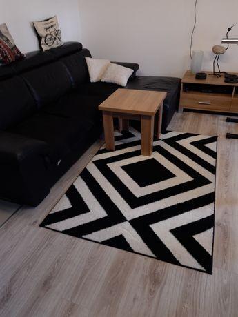 Dywan 120x70 biało- czarny