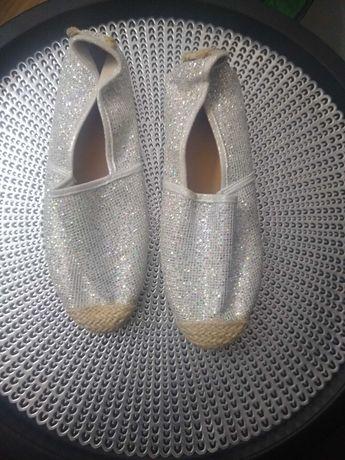 Nowe buty srebrne espadryle
