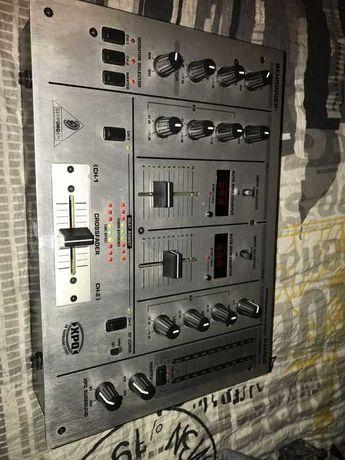Kontroler Dj behringer DJX400