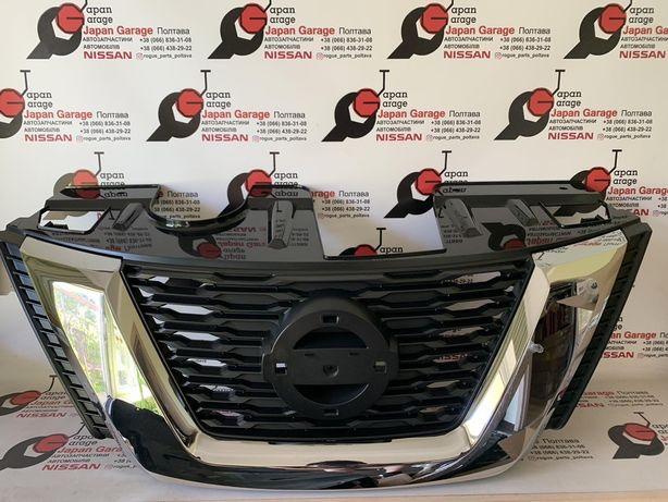 Решетка радиатора Nissan Rogue T32 2017-2020 рестайл