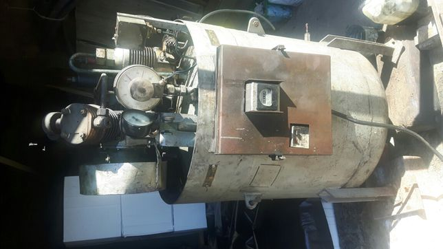 Kompresor stojący. Austriacki 350l