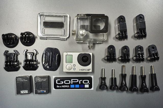 GoPro Hero 3+ Black Edition + akcesoria ze zdjęcia (mały zestaw)