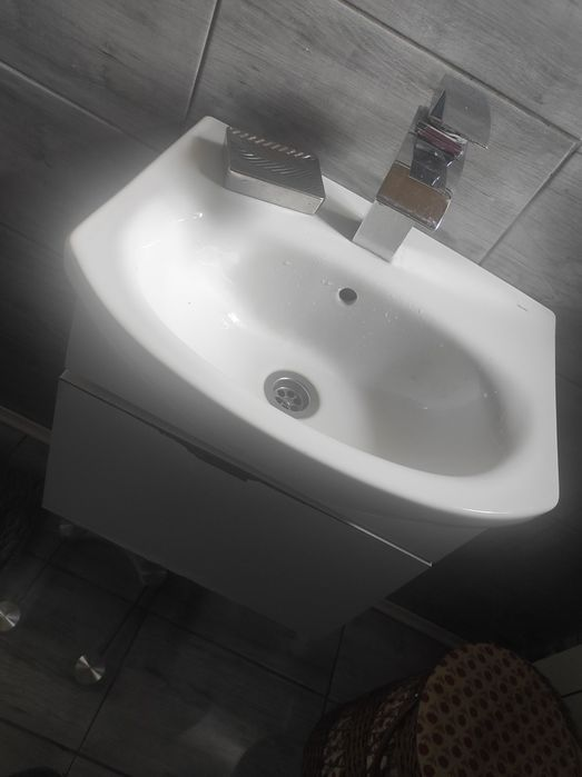 Umywalka + szafka gratis ! Zarzecze - image 1