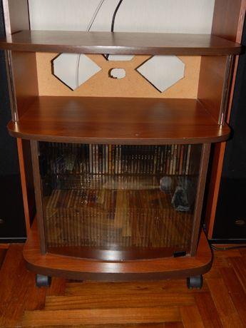 Тумба для ТВ или Аудиосистемы со стеклянной дверцей.