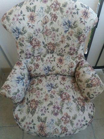 Piękny fotel retro.