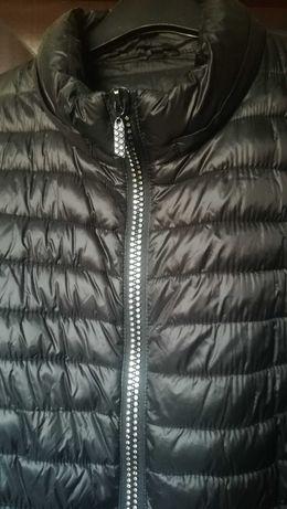 Czarna kurtka przejściowa