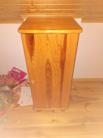 Szafka z drewna sosnowego
