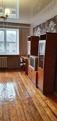 Комната 17м в коммуналке на п.поле метро 23августа 5 мин пешком.