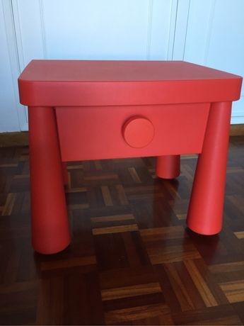 Mesa cabeceira Ikea Mammut