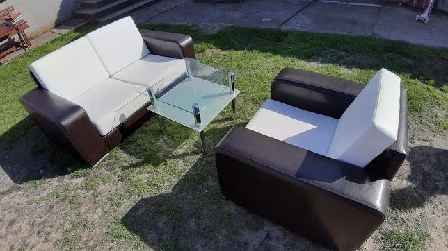 Sofa, fotel, stolik