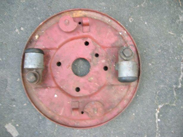 Тормозной щит газ