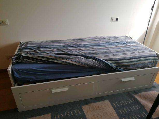 Cama solteiro com duplo estrado e duas gavetas IKEA