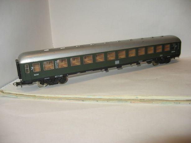 Пассажирский 4-х осный вагон Lima. Железная дорога Пико Piko НО 1.87
