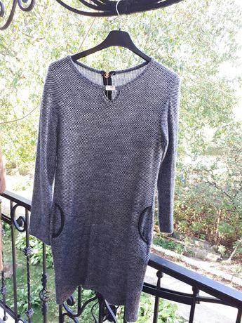 Плаття сірого кольору