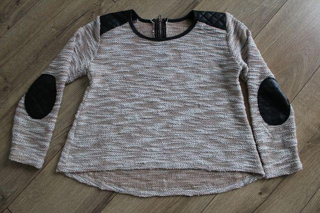 Cienki brązowy sweterek 116/122, szeroka bluzka z czarnymi łatami