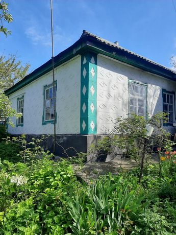 Будинок м.Шпола без споруд терміново.
